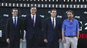PabloCasado, Pedro Sánchez, Albert Rivera y Pablo Iglesias, este lunes, justo antes del debate.