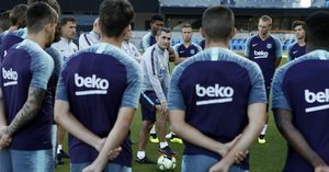Ernesto Valverde con sus jugadores, en la pretemporada del año pasado.