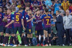 Valverde reúne a los jugadores en uno de las pausas.