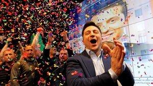 Zelensky celebrando su victoria.