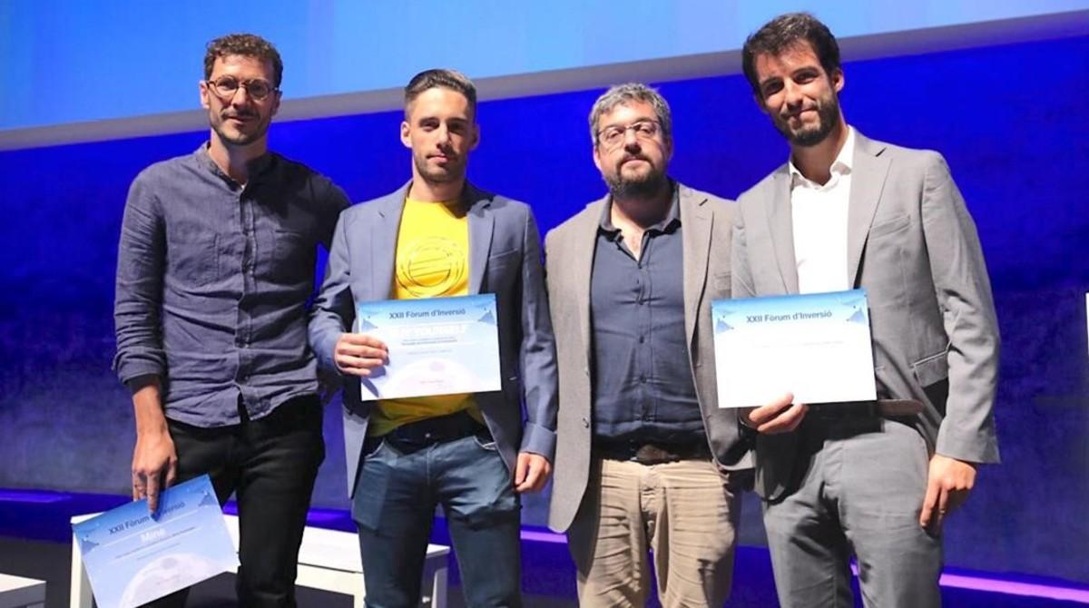 Diego Fernández, segundo por la derecha, con los ganadores del premio.