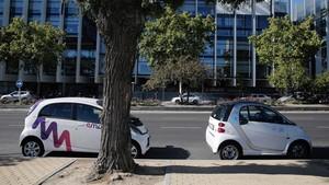 El cotxe elèctric compartit triomfa a Madrid mentre Barcelona el frena