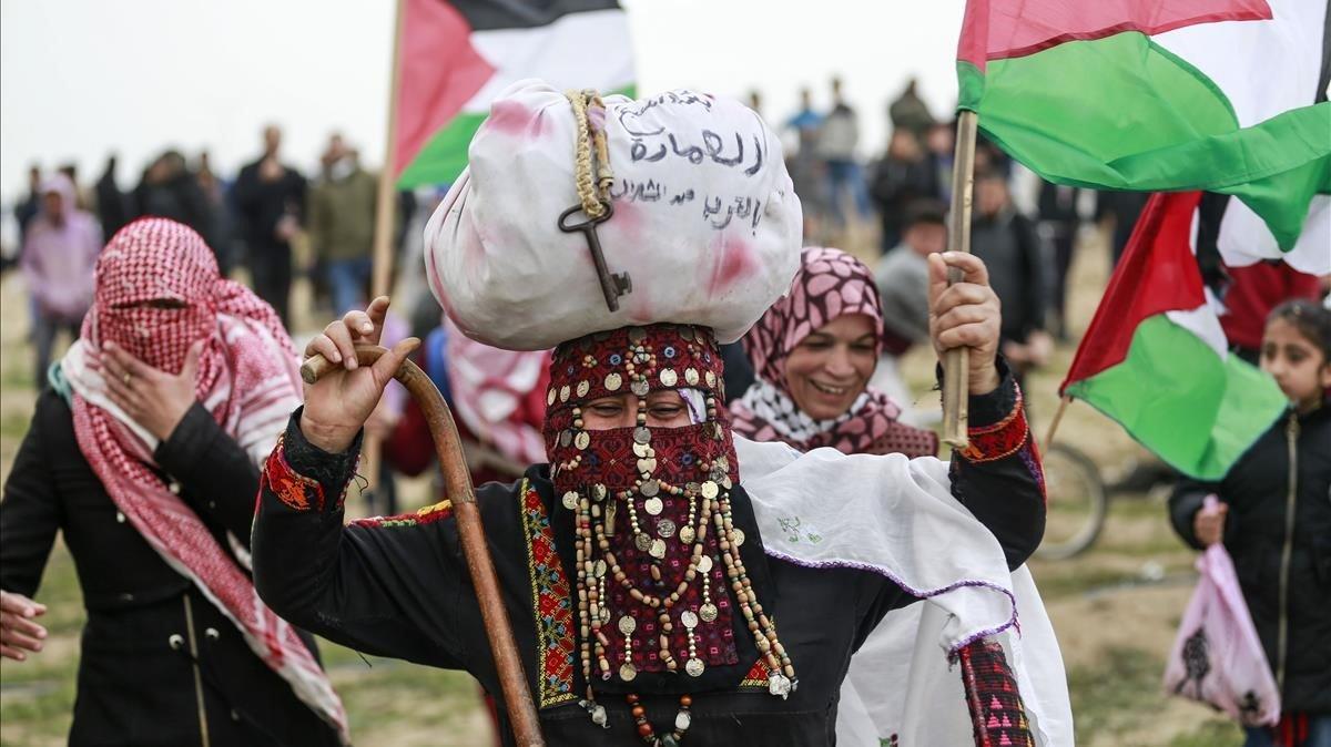 Manifestantes palestinas durante las movilizaciones por el primer aniversario de la Gran Marcha del Retorno.