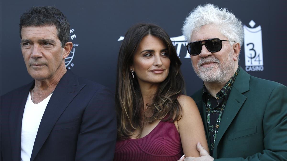 Antonio Banderas, Penélope Cruz y Pedro Almodóvar, en Cannes, esta semana.