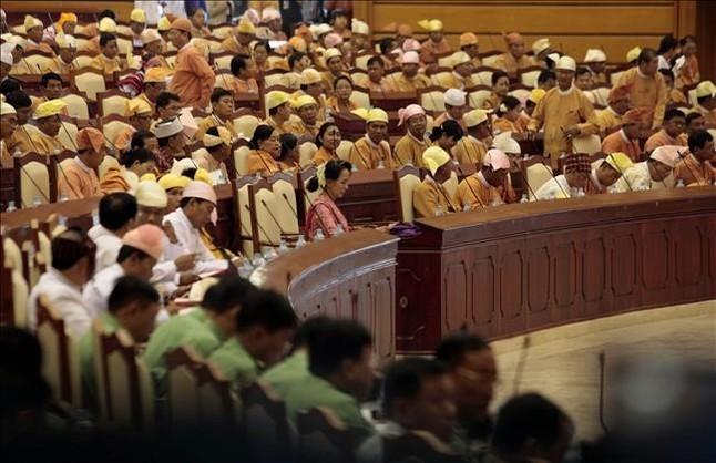 Resultado de imagen de el parlamento birmano.