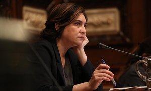Ada Colau durante el pleno del estado de la ciudad de Barcelona