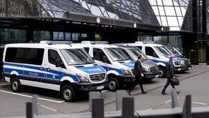 Furgonas de la policía alemana, en una imagen de archivo.