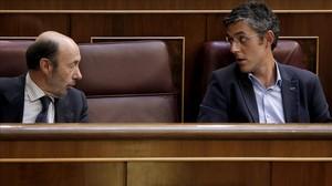Alfredo Pérez Rubalcaba i Eduardo Madina, aquest dijous, 29 de maig, al Congrés dels Diputats.