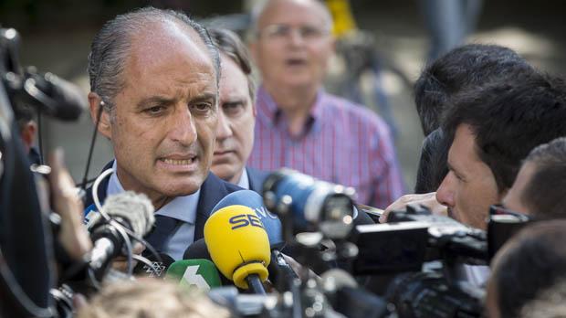 Anticorrupción pide procesar a Camps por malversación y prevaricación.