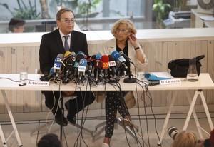 Antonio Miguel Carmona y Manuela Carmena.