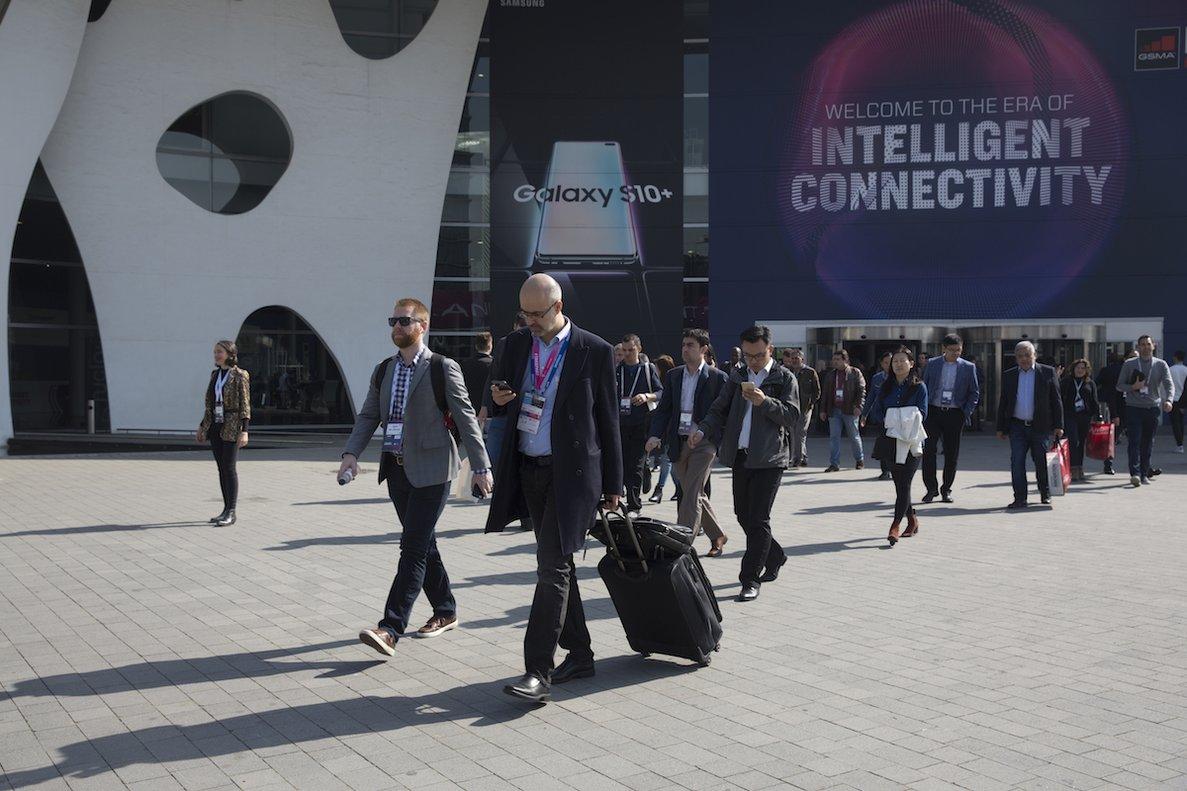 Asistentes en el último día del Mobile World Congress.