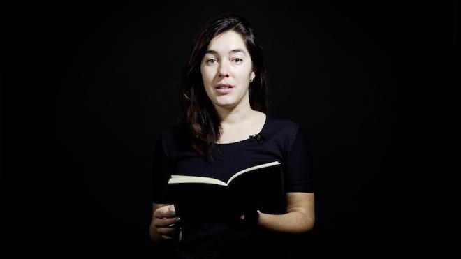 Laia Carbonell recita un poema de su libro 'Nibrós'.