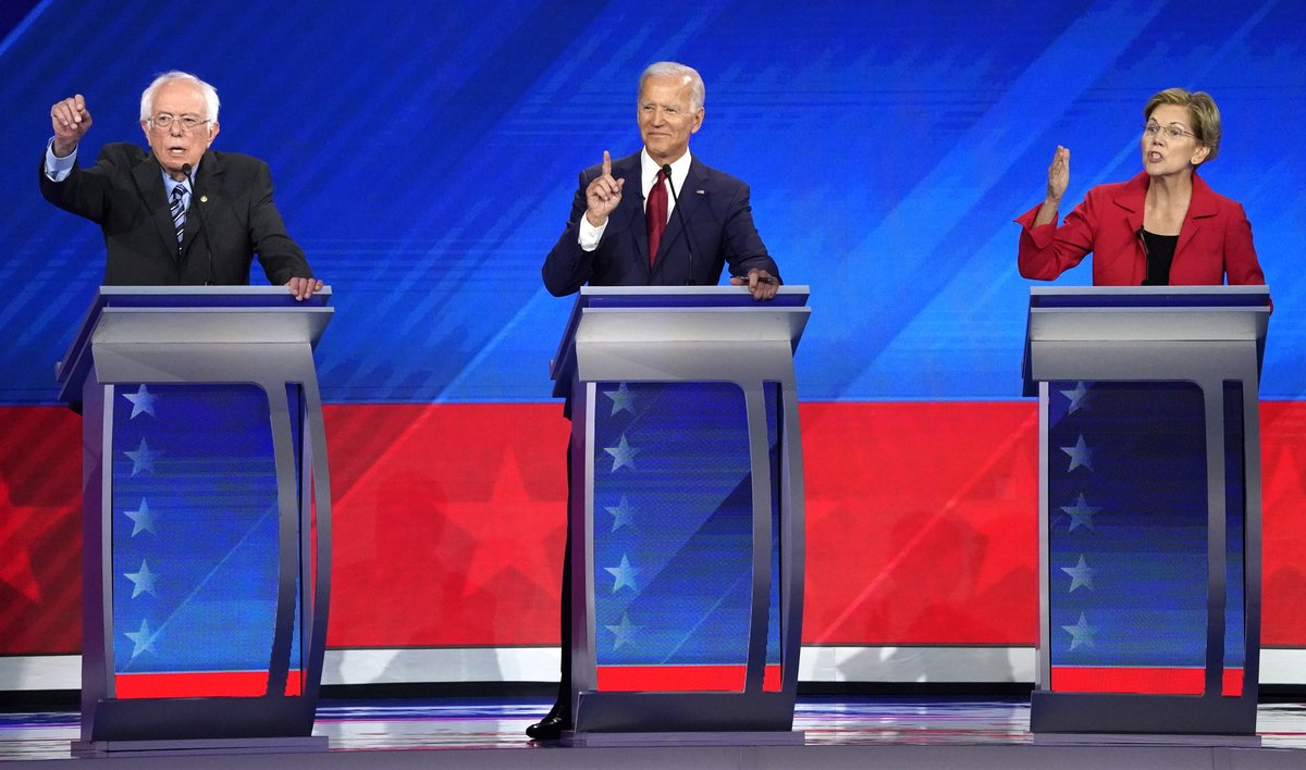 Bernie Sanders, Joe Biden y Elizabeth Warren, durante el debate en Houston.
