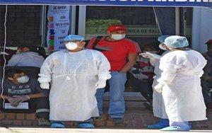 Personla médico en Bolivia durante la crisis del coronavirus.