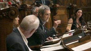 El concejal de ERC Jordi Coronas durante un pleno del Ayuntamiento de Barcelona