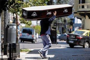 Aumento de muertos por COVID-19 en Argentina.