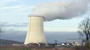 Central nuclear del Golfech,situada en las cercanias del río Garona,en el suroeste de Francia.