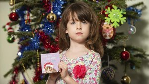 Florence Widdicombe, la niña de 6 años que encontró la felicitación navideña con un mensaje de socorro.