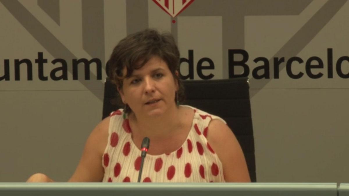 Gala Pin explica que se modificarán los horarios de los servicios de limpieza en Ciutat Vella para no molestar con los ruidos a los vecinos.