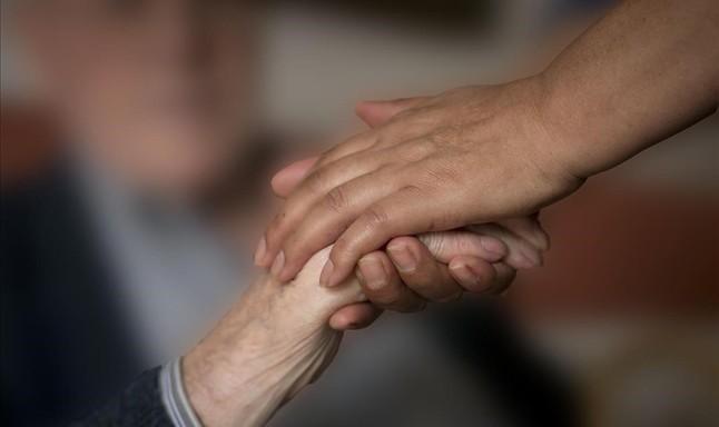 Los científicos denuncian el desinterés de gobiernos y farmacéuticas por la investigación en alzhéimer
