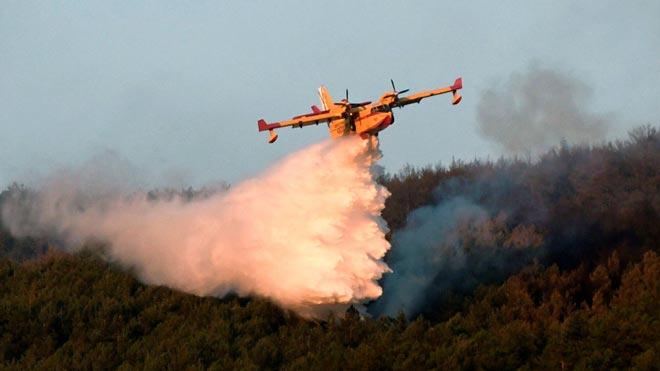 Los fuegos de La Granja y Miraflores queman 600 hectáreas.