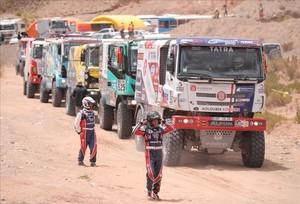 Els favorits agafen el control del Dakar