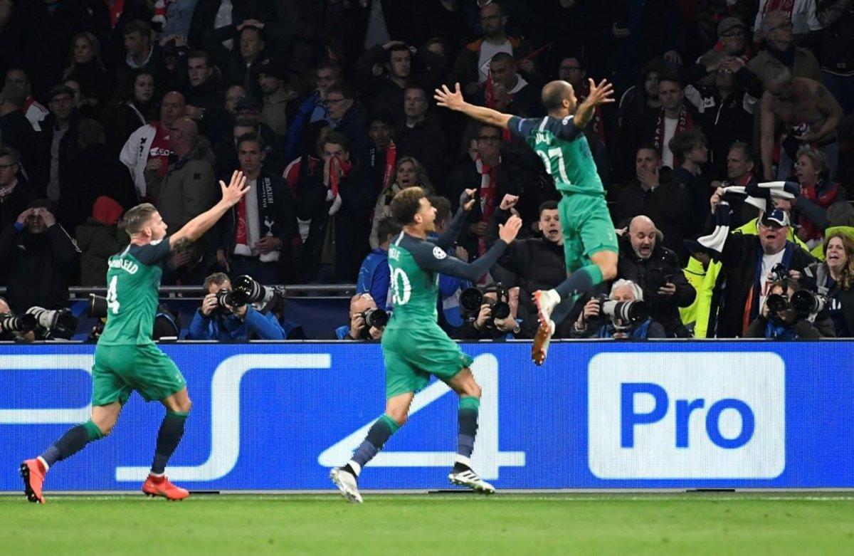 Lucas Moura celebra sutercer gol, que lleva al Tottenham a la final de la Champions.