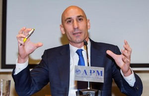 Luis Rubiales, durante el acto en que anunció su renuncia a la presidencia de la AFE, el pasado 20 de noviembre.