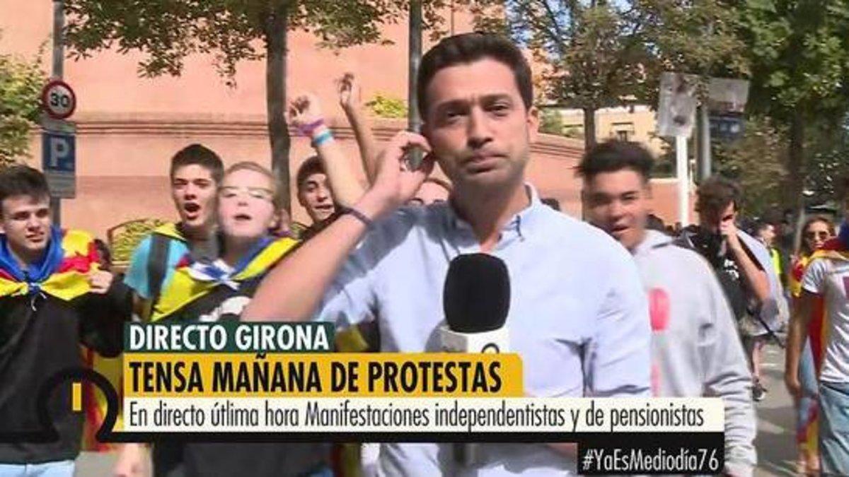 Así cercaron los independentistas al nuevo presentador de 'Ya es mediodía' durante una conexión en directo