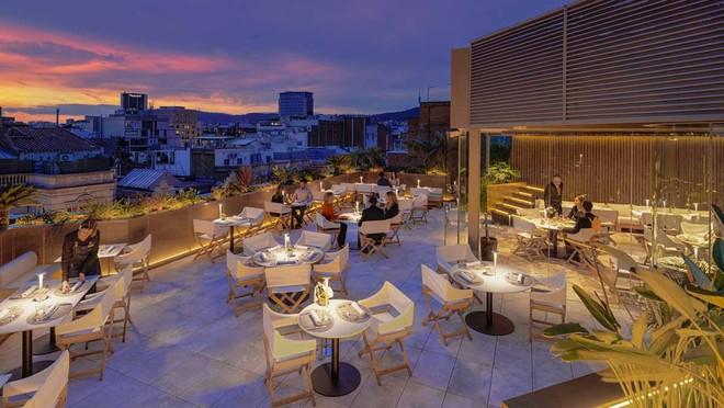 Una vista de la terraza Mood.