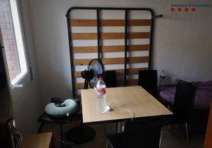 Els Mossos localitzen un bar clandestí a l'interior d'un pis de l'Hospitalet