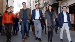 Pedro Sánchez pasea por Valladolid, este jueves.