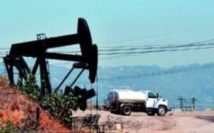 Pozos de petróleo en Culver City, California, el viernes.