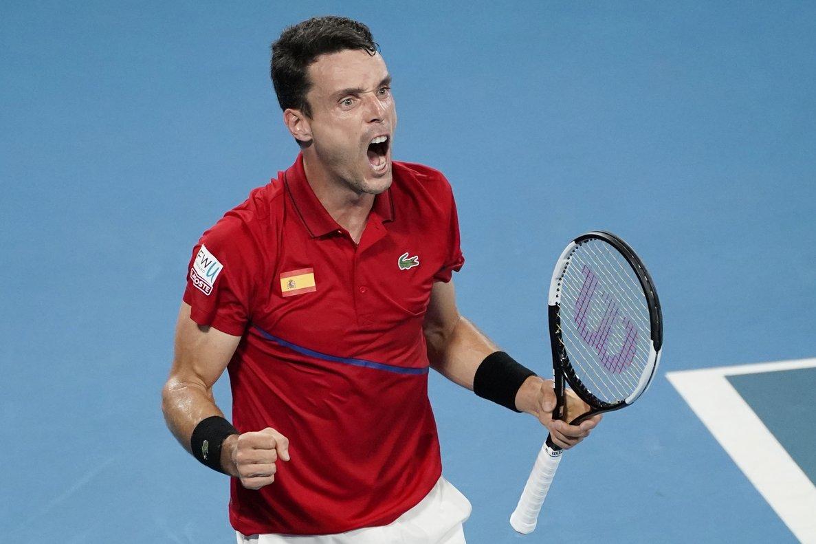 Roberto Bautista celebra la victoria ante el serbio Dusan Lajovic.