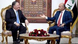 El secretario de Estado de EEUU, Mike Pompeo, y el presidente iraquí, Baham Saleh.