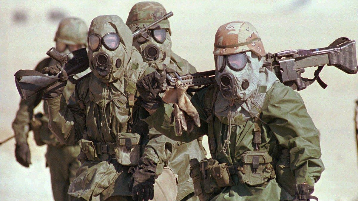 Soldados en el desierto de Arabía Saudí.
