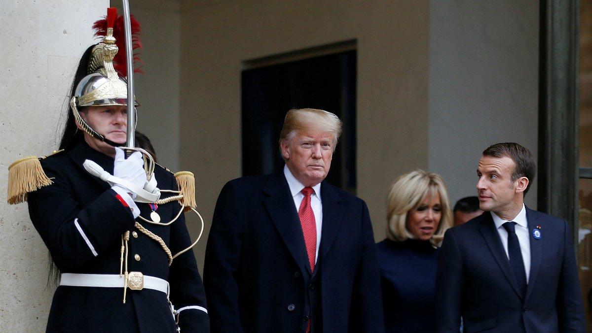 Trump y Macron salen del Palacio del Elíseo el pasado 10 de noviembre, durante los actos de celebración del Armisticio, en París.