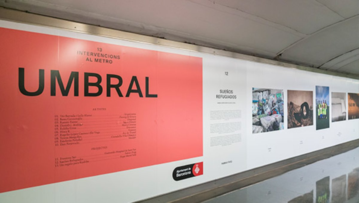 El metro de Barcelona acull 13 exposicions per remoure consciències sobre la migració