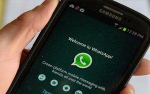 La plataforma de mensajería WhatsApp en un teléfono móvil.