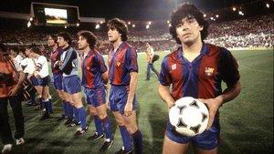 Diego Armando Maradona, en un partido de Liga con el Barça.