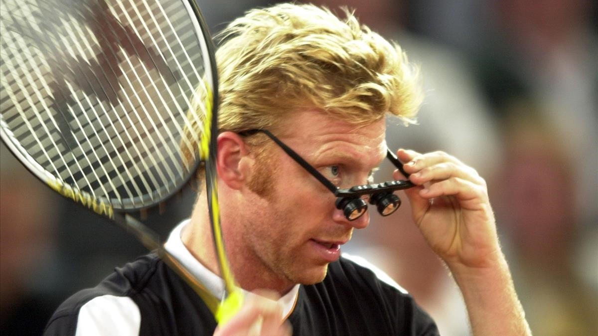 Boris Becker, durante un partido de tenis deexhibición.