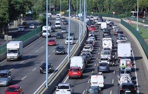 Barcelona multarà amb fins a 1.800 euros els vehicles contaminants