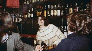 Maria Giralt en el pub Daniels paralesbianas, en la Barcelona de los 70.