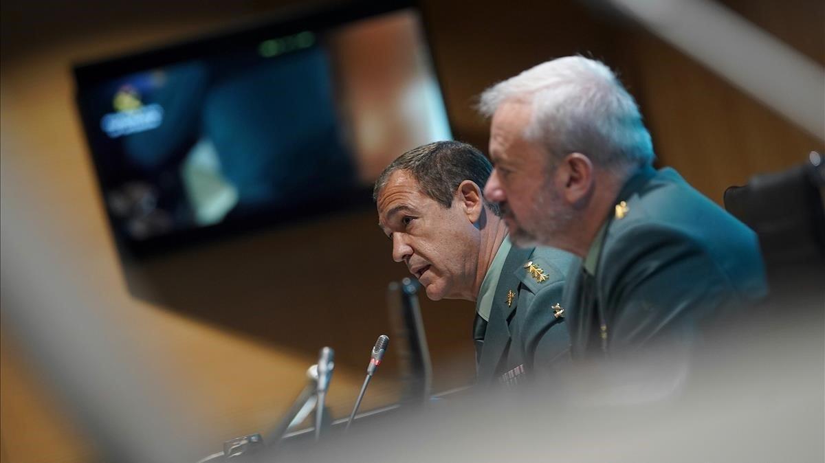 El coronel Ezequiel Romero junto al teniente coronel Jesús García durante la rueda de prensa para informar del caso de Lura Luelmo.