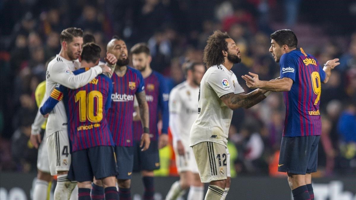 Messi se saluda con Ramos mientras Marcelo y Suárez se citan para la vuelta, este miércoles en el Camp Nou.