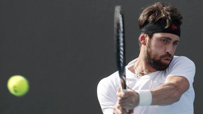 El tenista georgiano Nikoloz Basilashvili durante un partido.