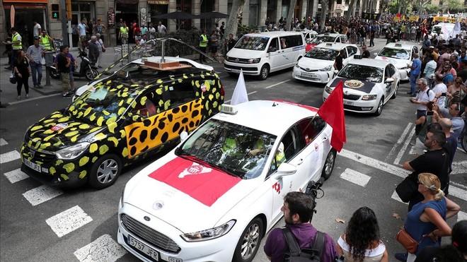 Taxis durante la protesta de Barcelona