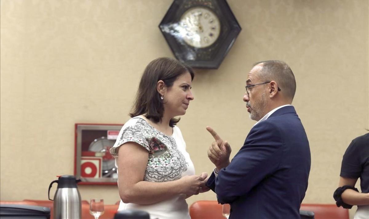 Adriana Lastra y Carles Campuzano, en una reunión de la Diputación Permanente el pasado mes de julio.