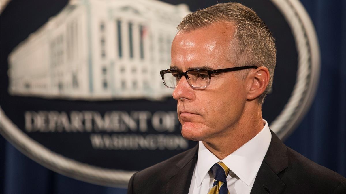 Trump tilda de traición su posible destitución