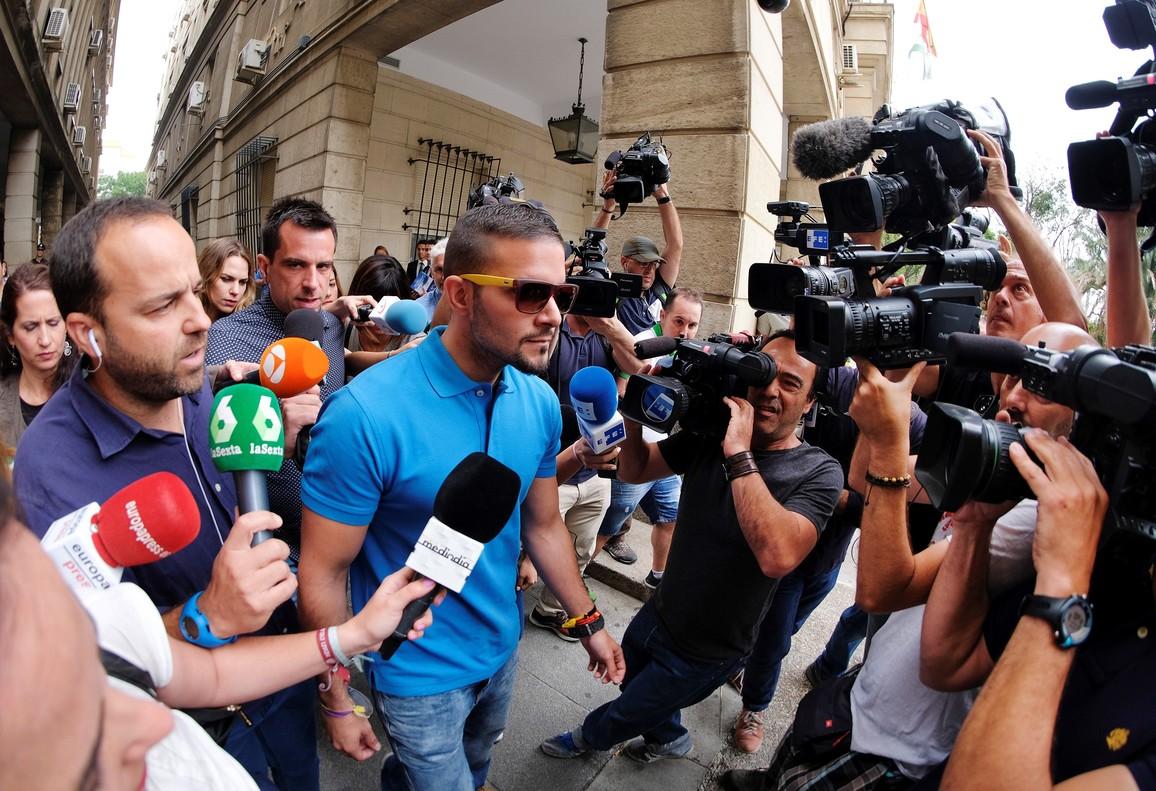 Ángel Boza, tras presentarse en los juzgados de Sevilla, el pasado junio.